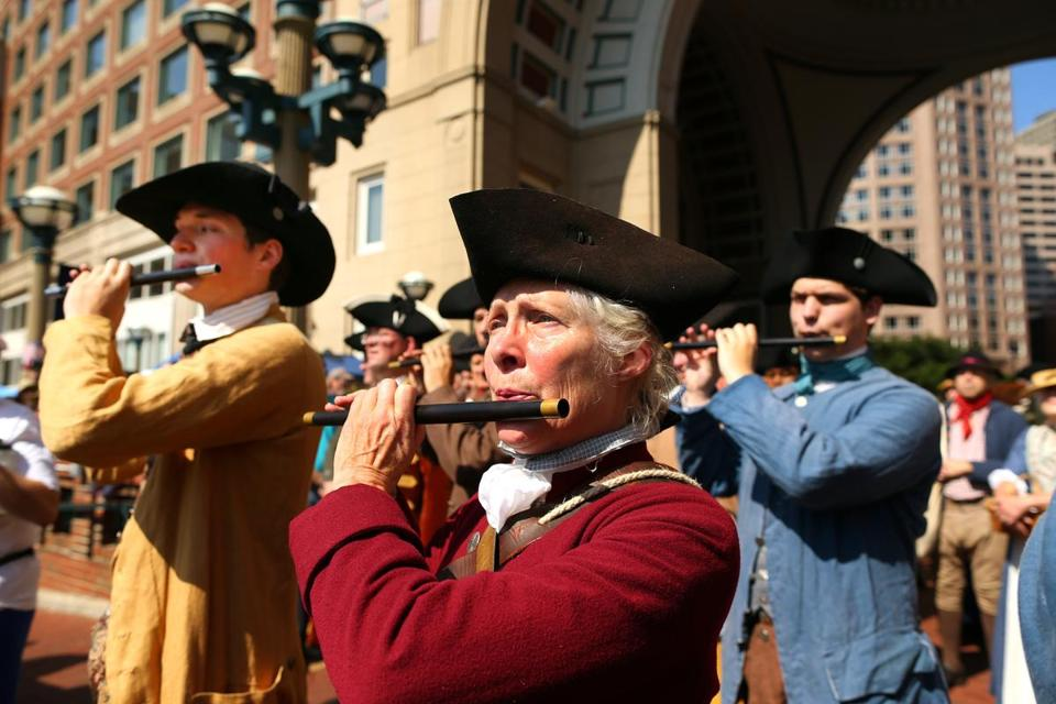 Lexington Minutemen re-enactors played pipes during the arrival ceremony.
